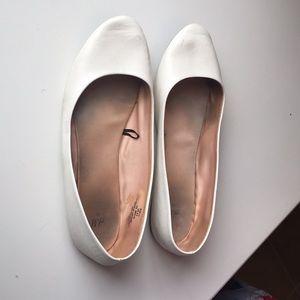H&M White Flats - Size 41/9.5
